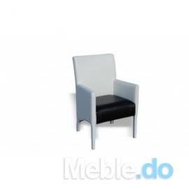 Czarno-biały fotel skośny...